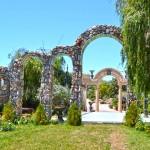 арки в замъкът в Равадиново