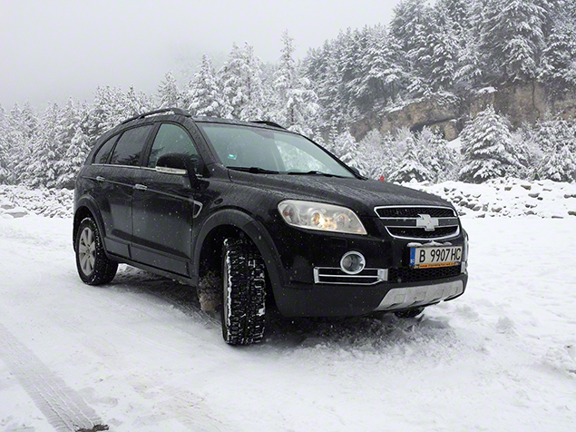 Chevrolet Captiva от Top Rent A Car в снега