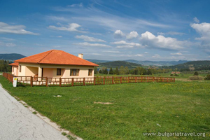 Къща край Батак