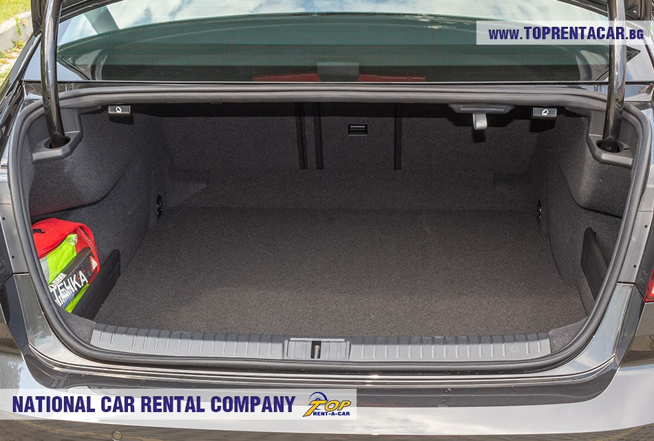 VW Passat 2020 - trunk