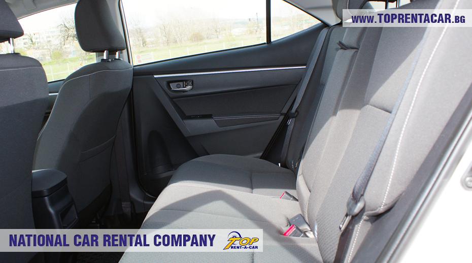 Toyota Corolla aut. - задна седалка