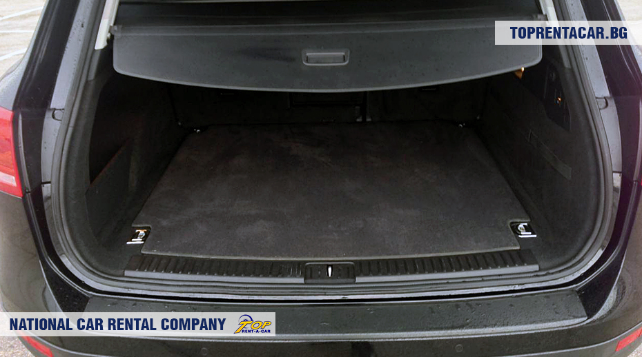 VW Touareg - trunk view