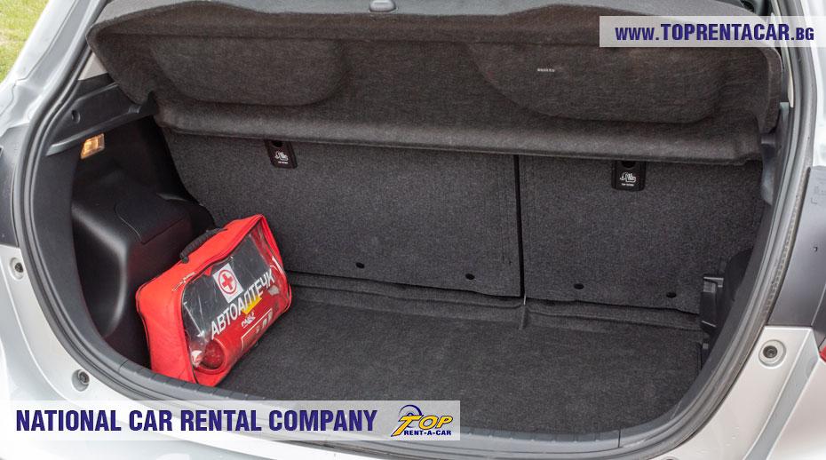 Toyota Yaris Hybrid - багажник