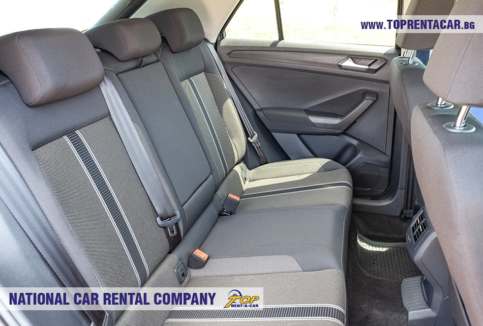 VW T-Roc 2019 задни седалки