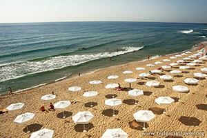 Плаж на Слънчев Ден
